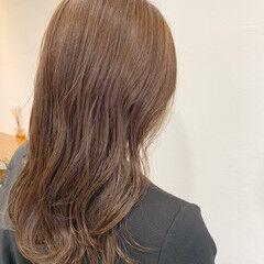 ピンクベージュ ロング シアーベージュ 透明感カラー ヘアスタイルや髪型の写真・画像