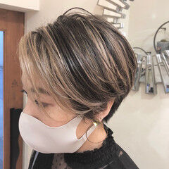 インナーカラー ショートヘア ハイライト ショート ヘアスタイルや髪型の写真・画像
