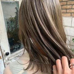 透明感カラー グレージュ シアーベージュ 大人可愛い ヘアスタイルや髪型の写真・画像