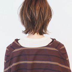 ベージュ ストリート ショートヘア ナチュラルウルフ ヘアスタイルや髪型の写真・画像