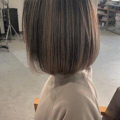 バレイヤージュ 透明感カラー エアータッチ ボブ ヘアスタイルや髪型の写真・画像