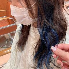 イヤリングカラー インナーカラー フェミニン ミディアム ヘアスタイルや髪型の写真・画像
