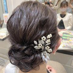 シニヨン 結婚式ヘアアレンジ 二次会ヘア セミロング ヘアスタイルや髪型の写真・画像