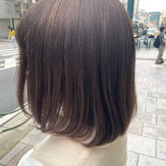 ミディアム ブルーバイオレット ナチュラル アッシュベージュ ヘアスタイルや髪型の写真・画像