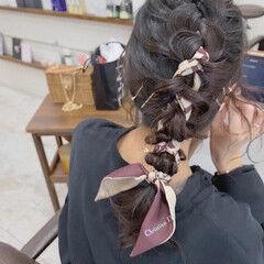 ヘアアレンジ ミディアム ガーリー スカーフアレンジ ヘアスタイルや髪型の写真・画像