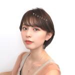 デート ショートヘア フェミニン 透明感カラー
