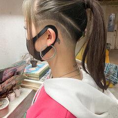 ツーブロック セミロング スキンフェード 刈り上げ女子 ヘアスタイルや髪型の写真・画像