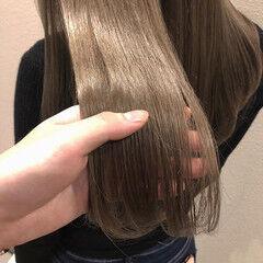 ベージュ ロング 春 フェミニン ヘアスタイルや髪型の写真・画像