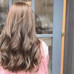 フェミニン ロング ヌーディベージュ ゆるふわセット ヘアスタイルや髪型の写真・画像