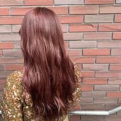 ガーリー ロング ピンクブラウン ベリーピンク ヘアスタイルや髪型の写真・画像