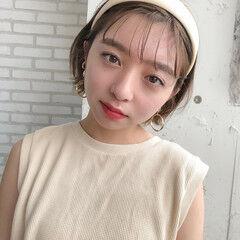 ミディアム カチューシャ インナーカラー ナチュラル ヘアスタイルや髪型の写真・画像