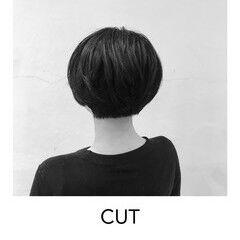 ナチュラル マッシュショート オフィス ヘアカット ヘアスタイルや髪型の写真・画像