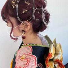 成人式ヘア チェリーレッド ヘアアレンジ 紐アレンジ ヘアスタイルや髪型の写真・画像