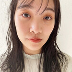 透け感ヘア ナチュラル 濡れ髪スタイル ミディアム