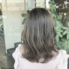 ミディアム ミディアムヘアー アッシュベージュ ミルクティーグレージュ ヘアスタイルや髪型の写真・画像
