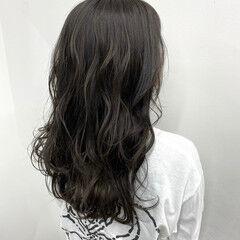 ダークグレー なんちゃって黒染め 黒染め 春 ヘアスタイルや髪型の写真・画像