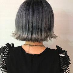 ブルージュ スモーキーアッシュ ブリーチカラー ガーリー ヘアスタイルや髪型の写真・画像