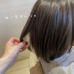 切りっぱなしボブ カーキアッシュ コンサバ ミニボブ ヘアスタイルや髪型の写真・画像