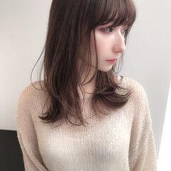 ミディアム ウルフカット 小顔 レイヤースタイル ヘアスタイルや髪型の写真・画像