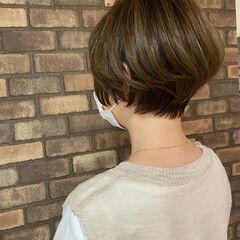 小顔ショート ショートボブ イルミナカラー ナチュラル ヘアスタイルや髪型の写真・画像