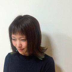 切りっぱなしボブ 外ハネボブ フェミニン インナーカラー ヘアスタイルや髪型の写真・画像