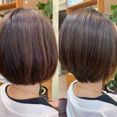 ナチュラル 前下がり 前下がりヘア ショートボブ ヘアスタイルや髪型の写真・画像
