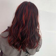 エレガント コテ巻き ブリーチ セミロング ヘアスタイルや髪型の写真・画像