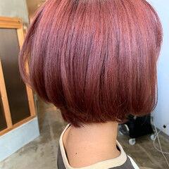 黒染め ボブ 切りっぱなしボブ ピンク ヘアスタイルや髪型の写真・画像