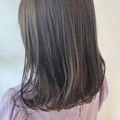 オリーブカラー ミディアム オリーブグレージュ カーキアッシュ ヘアスタイルや髪型の写真・画像