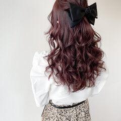 ロング ガーリー ヘアアレンジ ラベンダーピンク ヘアスタイルや髪型の写真・画像