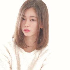 ハイトーンカラー 小顔ヘア 髪質改善 ミディアム ヘアスタイルや髪型の写真・画像