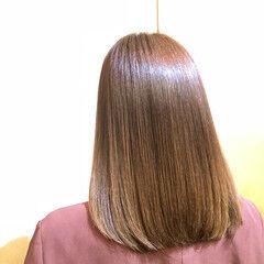 縮毛矯正 髪質改善トリートメント セミロング ナチュラルベージュ ヘアスタイルや髪型の写真・画像