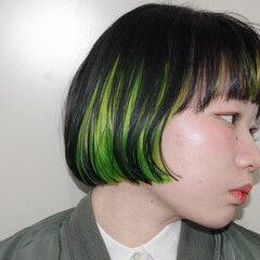 インナーカラー インナーグリーン ボブ モード ヘアスタイルや髪型の写真・画像