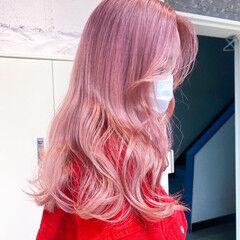 セミロング ハイライト ブリーチカラー ベージュ ヘアスタイルや髪型の写真・画像