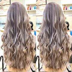 ホワイトシルバー ホワイトブリーチ ガーリー ロング ヘアスタイルや髪型の写真・画像