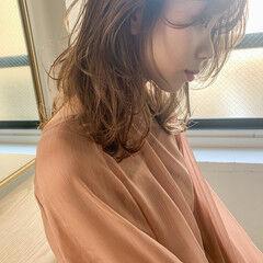 アンニュイほつれヘア ミディアムレイヤー レイヤーカット こなれ感 ヘアスタイルや髪型の写真・画像