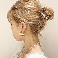 ヘアアレンジ 簡単ヘアアレンジ ブリーチカラー ミルクティーベージュ ヘアスタイルや髪型の写真・画像