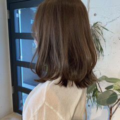ベージュカラー アッシュベージュ ナチュラル 暗髪 ヘアスタイルや髪型の写真・画像
