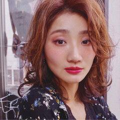 センターパート フェミニン 大人女子 ミディアム ヘアスタイルや髪型の写真・画像