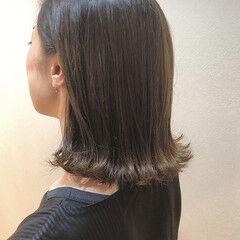 大人女子 オリーブグレージュ コンサバ アッシュグレージュ ヘアスタイルや髪型の写真・画像