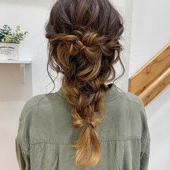 ゆるふわセット 波ウェーブ 編みおろしヘア 編み込みヘア ヘアスタイルや髪型の写真・画像
