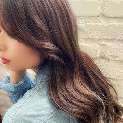 デジタルパーマ ハイライト ナチュラル ロング ヘアスタイルや髪型の写真・画像