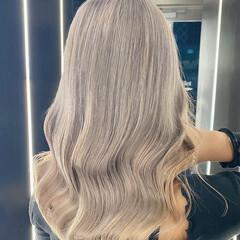 ブリーチカラー ナチュラル ブリーチオンカラー ミルクティーベージュ ヘアスタイルや髪型の写真・画像