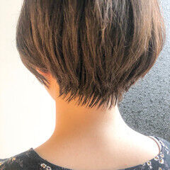 ショートボブ ベージュカラー ショートヘア ナチュラル ヘアスタイルや髪型の写真・画像
