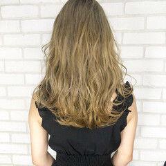 アディクシーカラー ロング デート ブリーチカラー ヘアスタイルや髪型の写真・画像