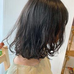 レイヤーカット ボブ くせ毛 無造作パーマ ヘアスタイルや髪型の写真・画像