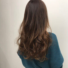 イルミナカラー おしゃれさんと繋がりたい 髪質改善カラー グラデーションカラー ヘアスタイルや髪型の写真・画像