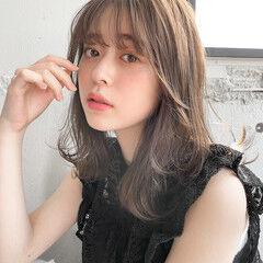 アウトドア レイヤーカット 大人かわいい ミディアム ヘアスタイルや髪型の写真・画像