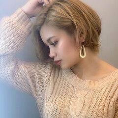 ハイトーンカラー オシャレ 金髪 エレガント ヘアスタイルや髪型の写真・画像