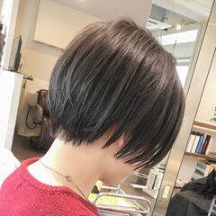ショートヘア モード ジェンダーレス 切りっぱなし ヘアスタイルや髪型の写真・画像